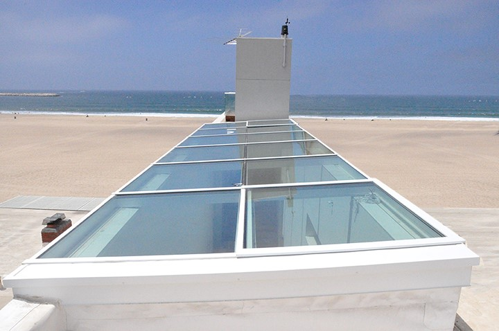 Jacks Flush Vent Skylight